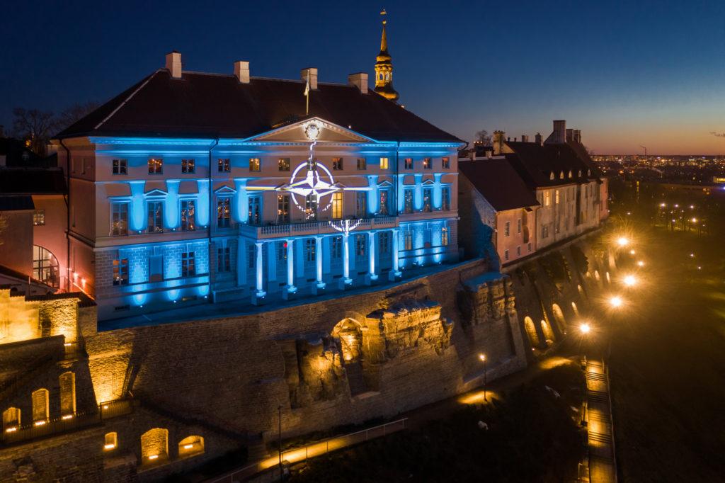 Tänavu tähistati Eesti NATO-ga liitumise 15. ja NATO asutamise 70. tähtpäeva.  FOTO: Kaupo Kalda